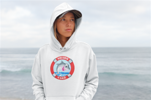 hoodie_white_on girl_at beach